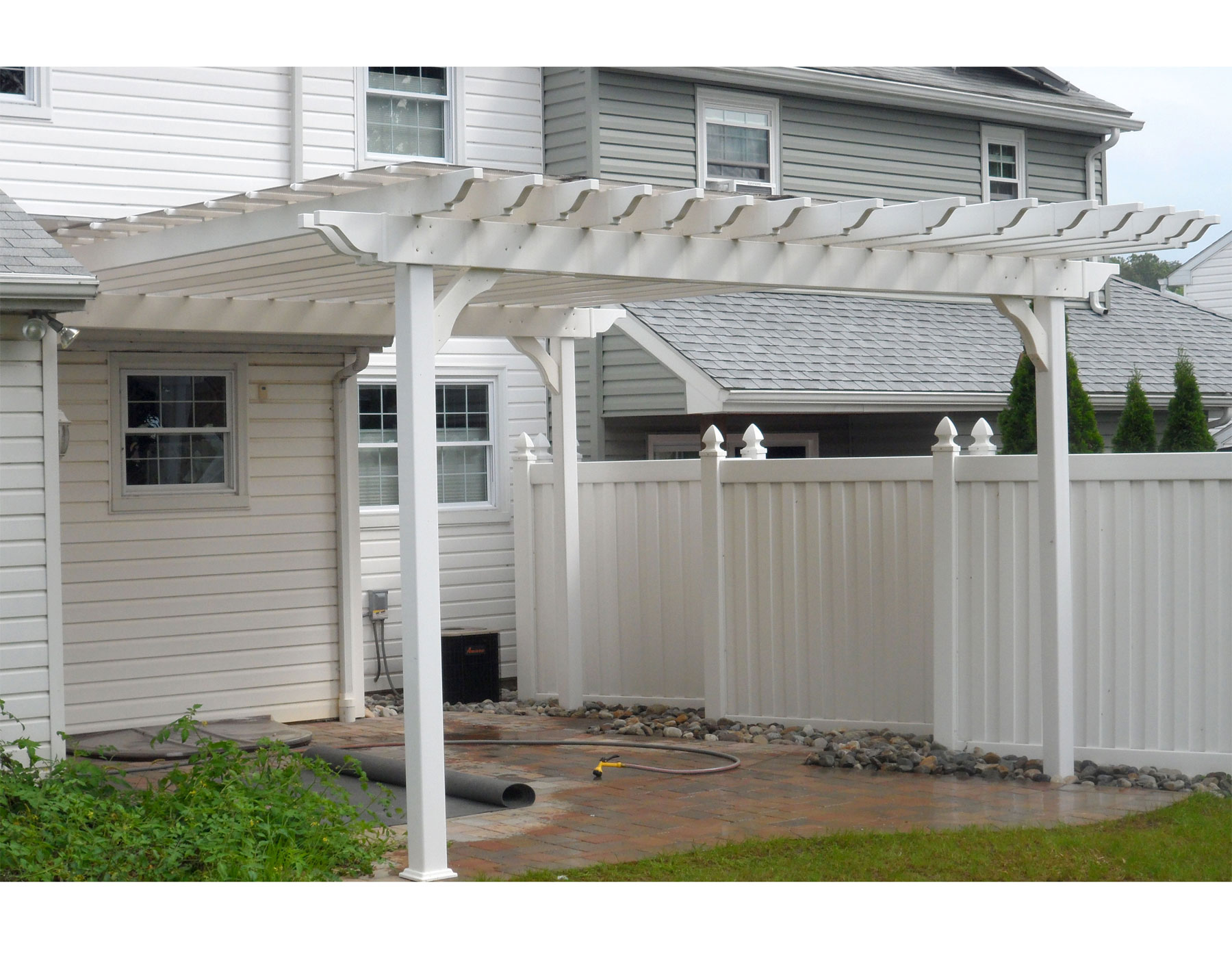 Customer 39 s photo 12 39 x 16 39 vinyl 2 beam pergola for Pergola aluminium x