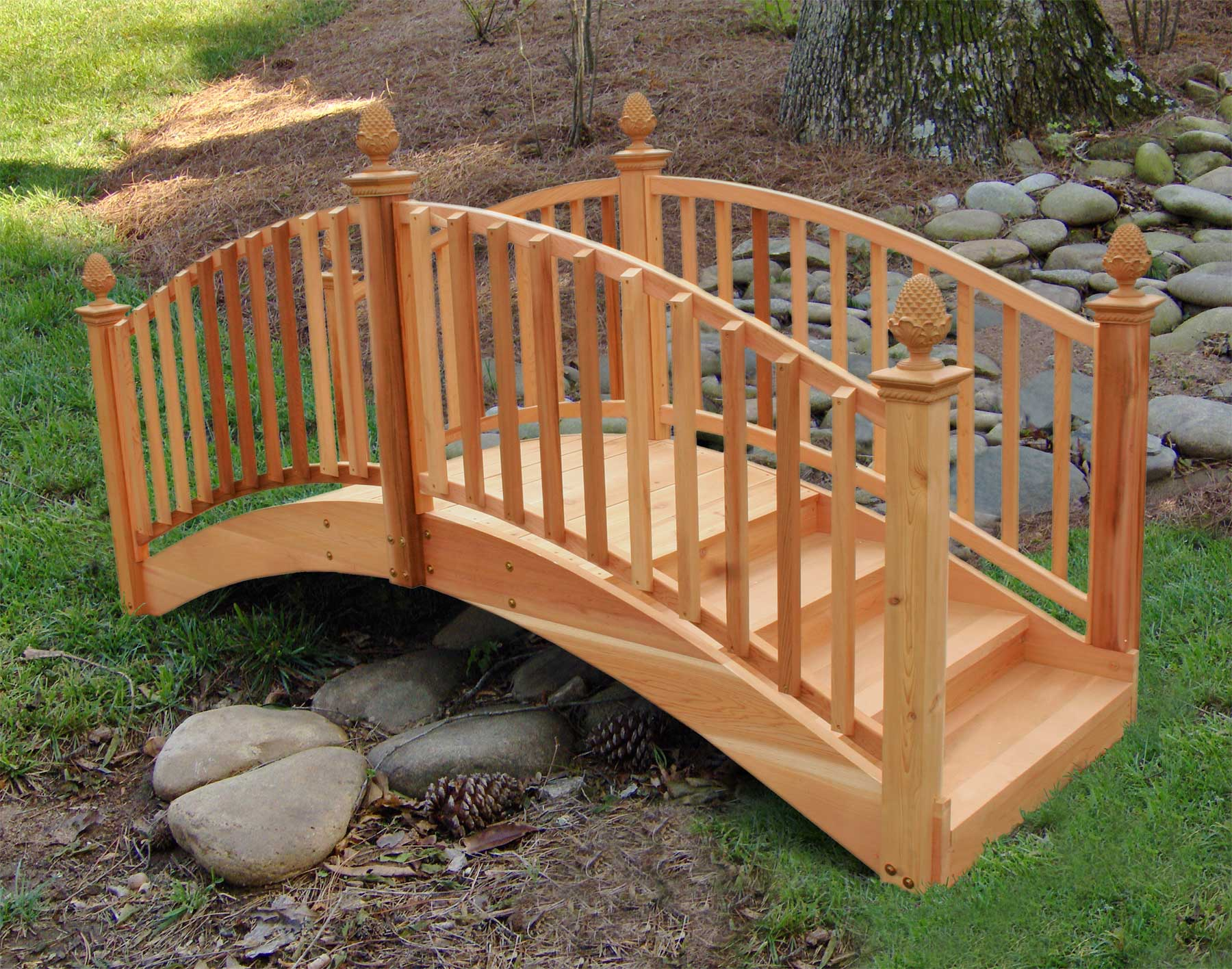 garden footbridge cedar arched step bridge 712