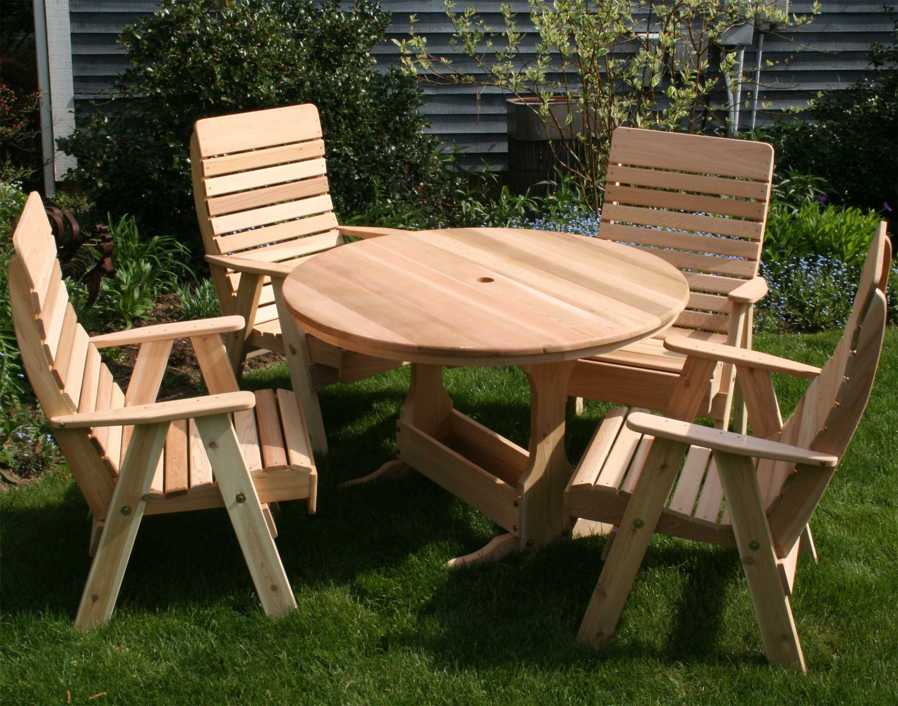 Admirable Red Cedar Round Trestle Picnic Table Set Andrewgaddart Wooden Chair Designs For Living Room Andrewgaddartcom