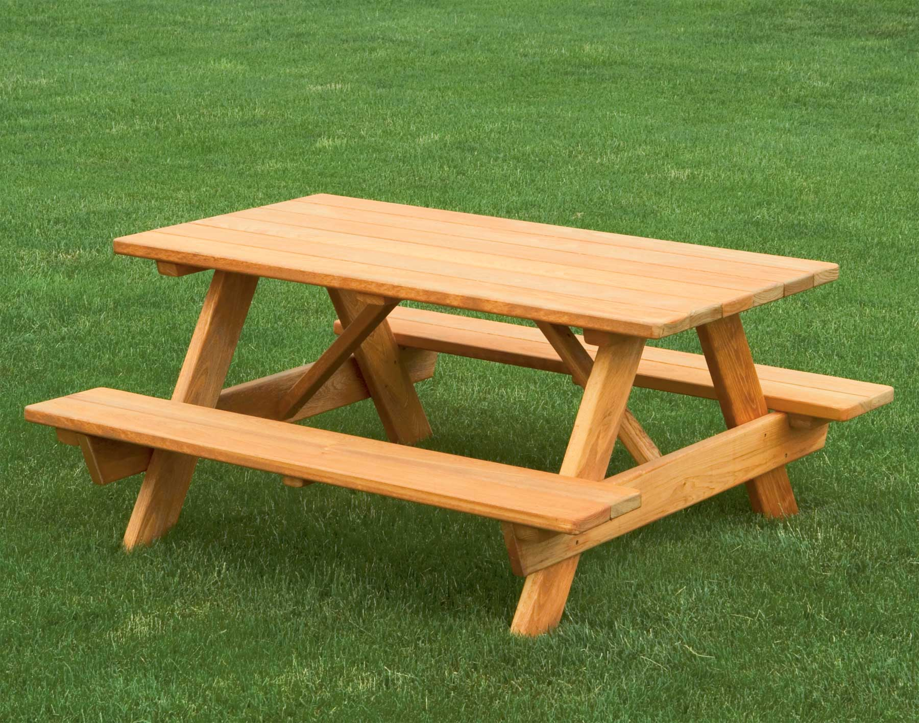 This picnic table has seating for adults a high chair and - Table a picnic a vendre ...