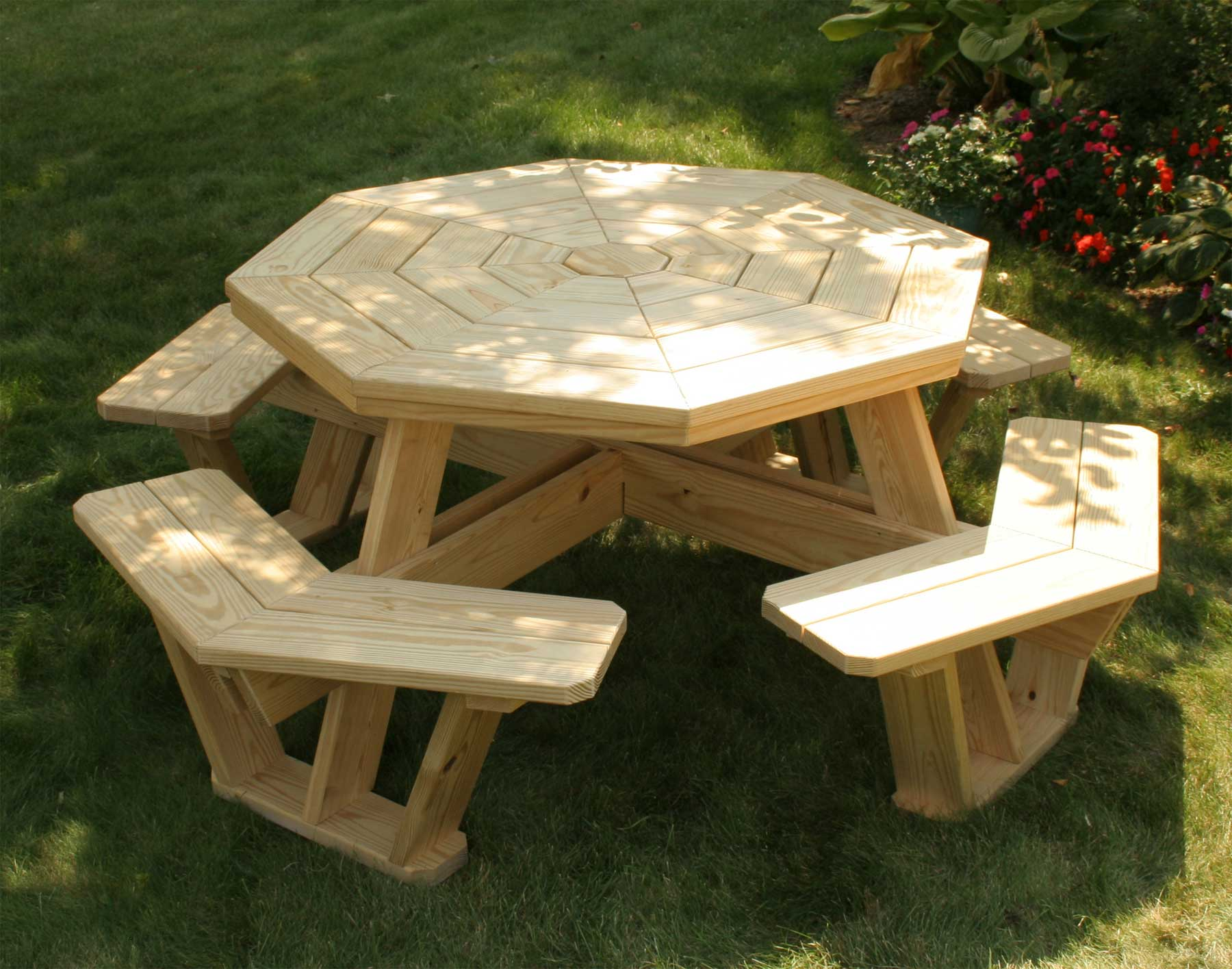 Treated pine octagon walk in picnic table - Table picnic bois enfant ...