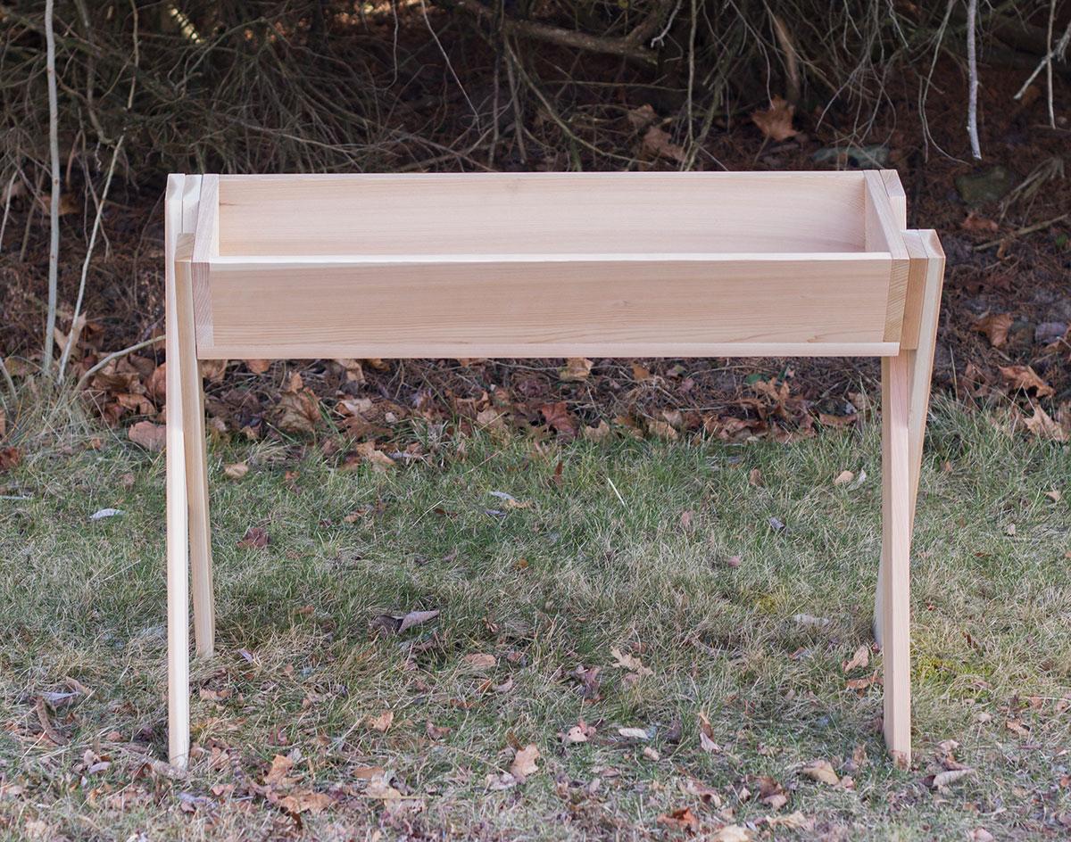 red cedar deer feeder. Black Bedroom Furniture Sets. Home Design Ideas