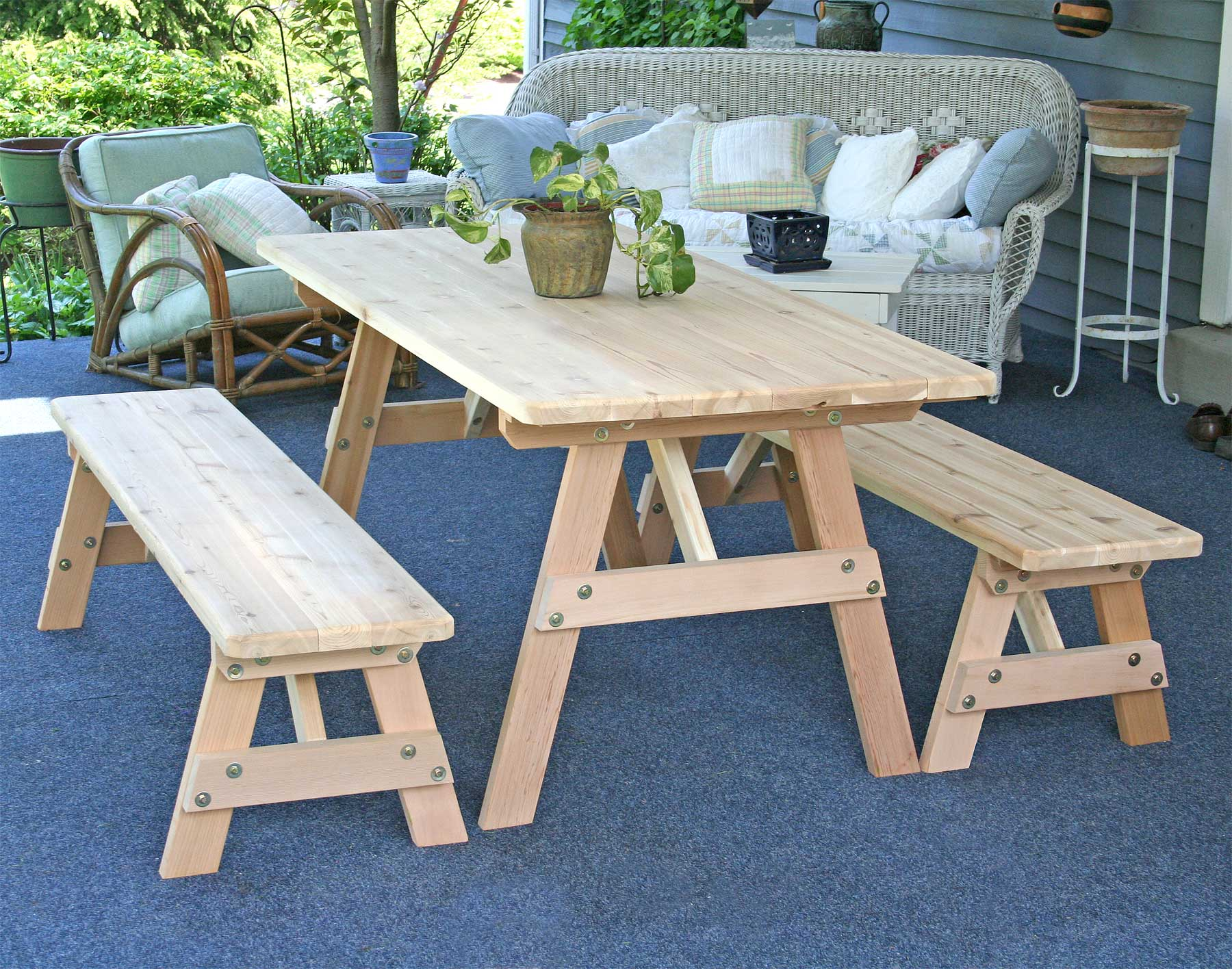 Red cedar picnic table w benches for Cross leg table plans