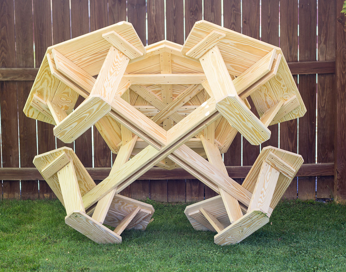 Image Gallery octagon picnic table